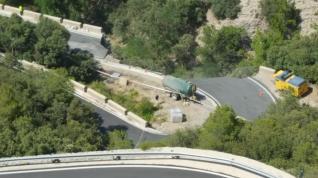 Estado en que ha quedado la CV-363 en el término municipal de Arcos de las Salinas.
