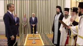Mitsotakis toma posesión como primer ministro griego