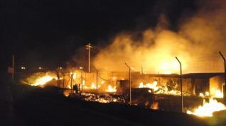 Incendio de una nave de embalajes en Zaragoza