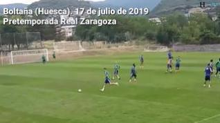 Ejercicios de ataque y gol en el segundo entrenamiento del Real Zaragoza en Boltaña