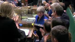 El Parlamento británico ovaciona a Theresa May en su despedida