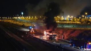 Arde un autobús de pasajeros en Zaragoza