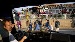 Encierro con autobús en las fiestas de Torralba de Ribota