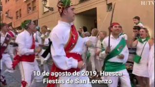 Primera actuación de los Danzantes de Huesca el día de su patrón