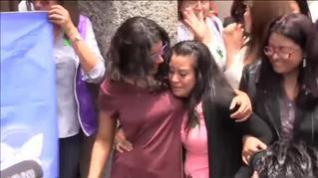 Absuelta la joven de 21 años condenada en El Salvador a 30 años de cárcel por abortar