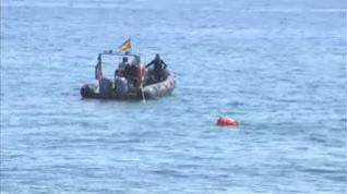 Los GEAS reflotan la bomba hallada en la playa de Barcelona y se preparan para detonarla