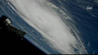 Los estadounidenses se preparan para recibir al huracán Dorian