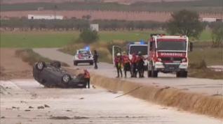 Los bomberos rescatan los cuerpos de un matrimonio fallecido por las lluvias en Caudete