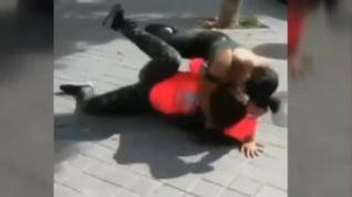 Graban y difunden la agresión a una niña de 14 años en un instituto de Madrid