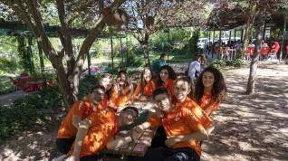 Comida de hermandad en la jornada de voleibol de Teruel