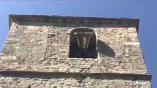 La campana de la iglesia de Jánovas vuelve a sonar en casa cincuenta años después