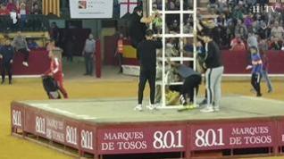 La caída de un joven dese la torre central obliga a interrumpir la mañana vaquillera en Zaragoza