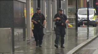 Apuñalan a cinco personas cerca de un centro comercial en Mánchester