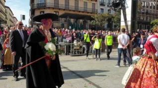 ¿Cómo iba vestido el acalde de Zaragoza en la Ofrenda de Flores a la Virgen del Pilar?