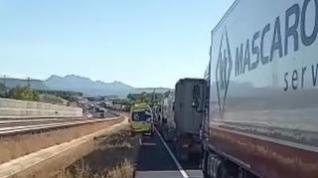 Los disturbios en Cataluña obligan a cientos de transportistas a adelantar envíos y buscar alternativas