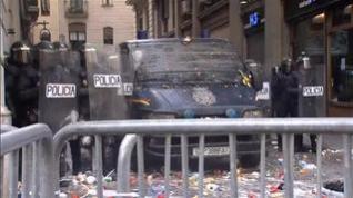 Escenas de tensión en la sede la Jefatura de Policía de Barcelona