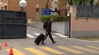 Los vecinos de Moratalaz reciben como héroes a los policías desplazados a Barcelona