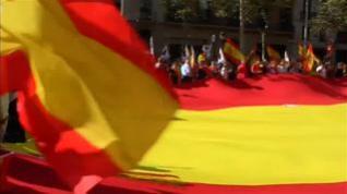 Miles de constitucionalistas catalanes se manifiestan en las calles de Barcelona