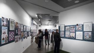 La muestra de José Antonio Bernal '15 años de monigotero' inaugura el mes del cómic en la capital aragonesa