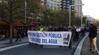 Alrededor de 200 personas piden en Zaragoza la derogación del ICA