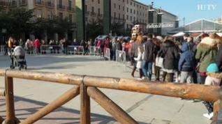 Largas filas en el Belén gigante y la Casa de Papá Noel en Zaragoza