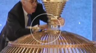 """Las redes denuncian tongo en el sorteo de la lotería de Navidad tras este """"extraño"""" gesto"""