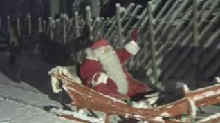 Papá Noel emprende viaje para llegar a tiempo a todos los hogares