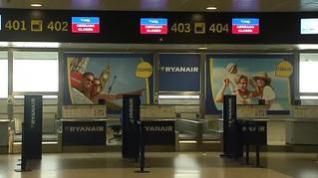 Ryanair cierra sus bases en Canarias