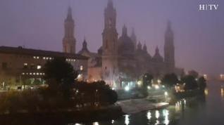 El Pilar entre la bruma, las imágenes que deja la niebla en Zaragoza