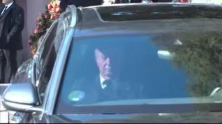 Juan Carlos I sale de la misa por la infanta Pilar de Borbón muy afectado