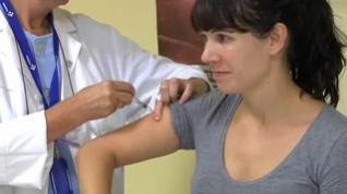 Los casos de gripe se duplican en una semana y ya rozan los niveles de epidemia