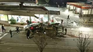 Las imágenes de los minutos posteriores al accidente de autobús de Estella en el que han muerto dos niños