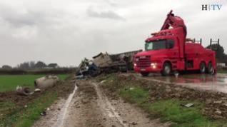 Tres muertos en un choque frontal entre dos camiones y un coche en la N-II en Osera de Ebro