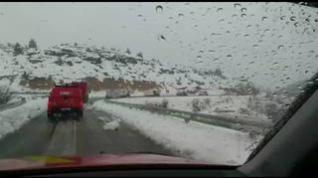 La UME trabaja a destajo para limpiar las carreteras al sur de Aragón