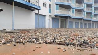 Destrozos en la playa de La Pineda.