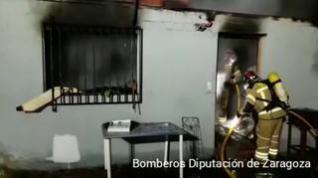 Un incendio destruye una vivienda unifamiliar en Alfajarín