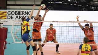Partido de superliga de voleibol entre el CV Teruel y el Ushuaia de Ibiza.