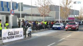 Los vecinos de Parque Venecia salen a la calle para pedir infraestructuras educativas