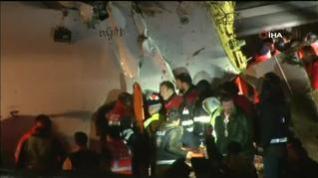 Un avión se sale de pista en Estambul y se rompe en tres después de aterrizar
