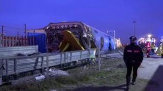 Dos muertos y decenas de heridos en el descarrilamiento de un tren en Italia