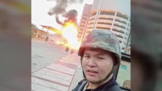 Estremecedoras imágenes del ataque de un soldado a civiles en Tailandia que deja 27 muertos