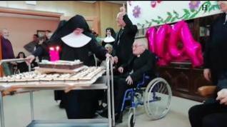 Así ha sido la fiesta del 104 cumpleaños del tercer obispo más longevo del mundo