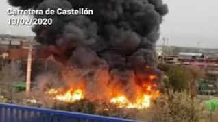 Incendio en la carretera de Castellón de Zaragoza