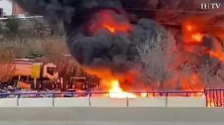 Incendio en la campa de contenedores  de FCC en el entorno de la carretera de Castellón de Zaragoza