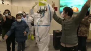 Bailes contra el coronavirus en un hospital de Wuhan