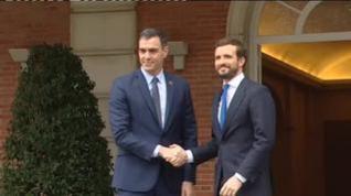 Sánchez y Casado se reúnen en Moncloa