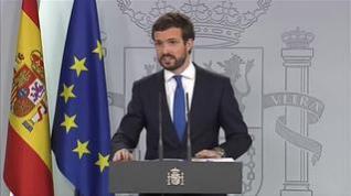 """Casado ofrece a Pedro Sánchez pactos para """"dos legislaturas"""" si rompe con los independentistas"""