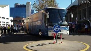 Caluroso recibimiento al Real Zaragoza en La Romareda
