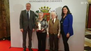 175 matrimonios celebran sus Bodas de Oro en el Teatro Principal de Zaragoza