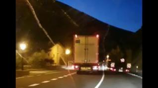 Detenido el conductor de un camión por un adelantamiento temerario en Sopeira, Huesca